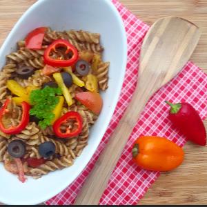 Nudeln mit Oliven-Pesto